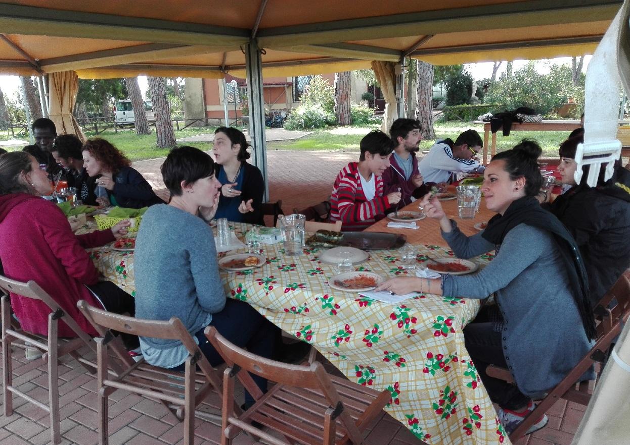 Giornate di Agricoltura Sociale - Il momento del pranzo a La Nuova Arca