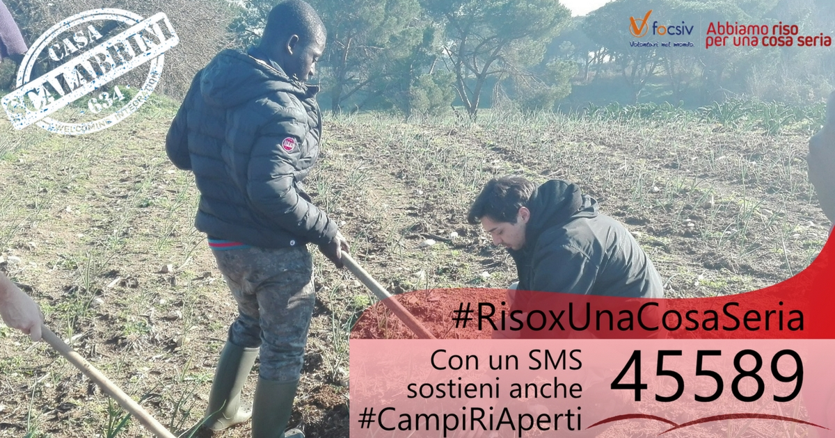 Abbiamo #risoxunacosaseria è la campagna di Focsiv che sostiene anche Campi Ri-Aperti